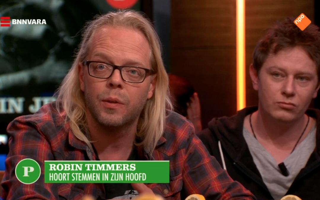 Robin Timmers praat bij Pauw over Stemmenhoren