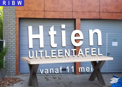 Afhaal/uitleen tafel bij H10 in Nijmegen